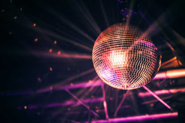 Ночной клуб с дискотекой